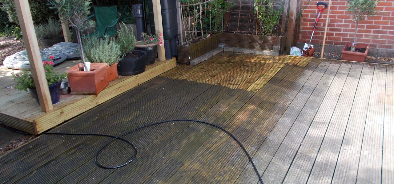 Deck Cleaning in Chandlers Ford